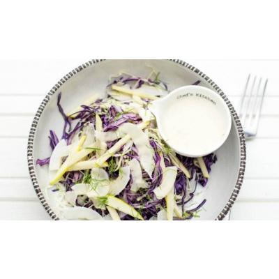 "Salata ""Coleslaw"" cu varza, mere si cocos"